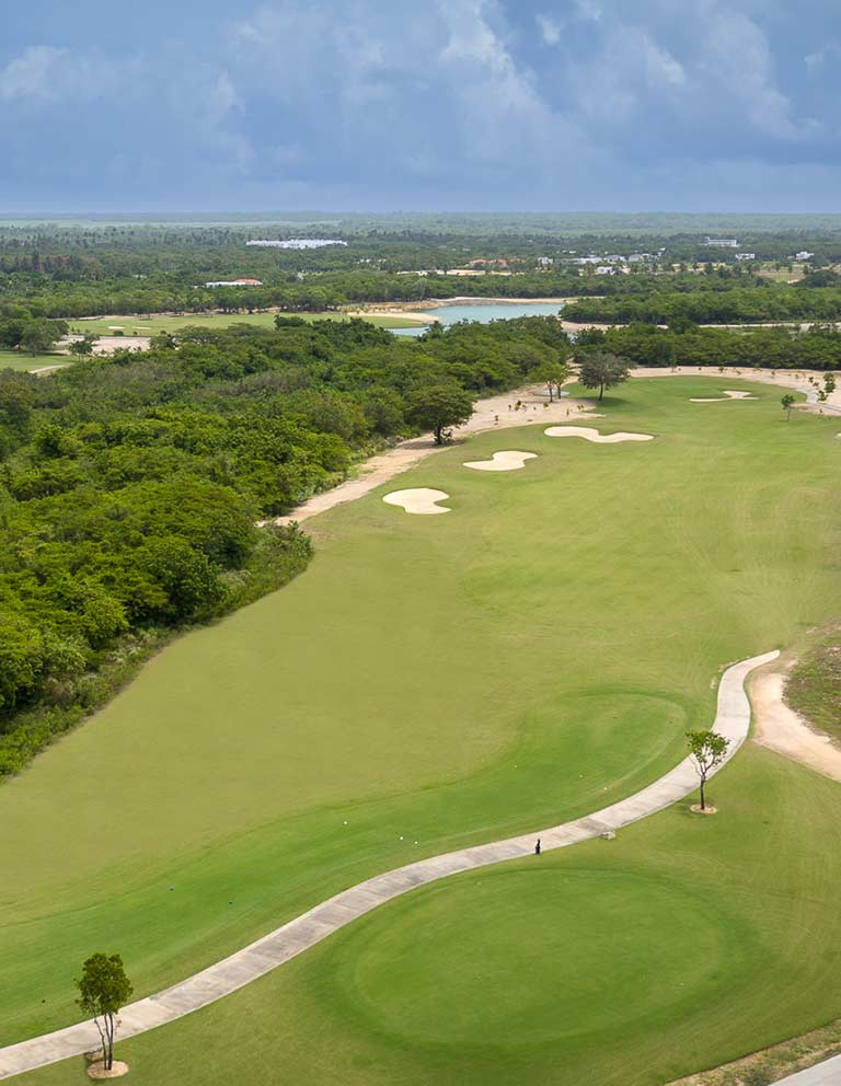 Hole 10 - 18 hole course in Riviera Maya Golf Club